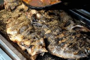 这样做烤鱼最香最嫩连鱼骨头都不肯放过