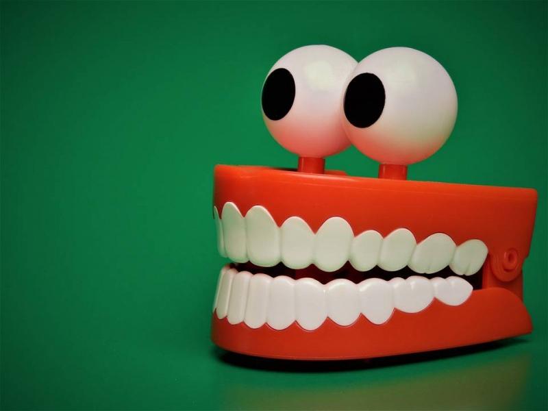 钢牙套要带多长时间带钢牙套的注意事项