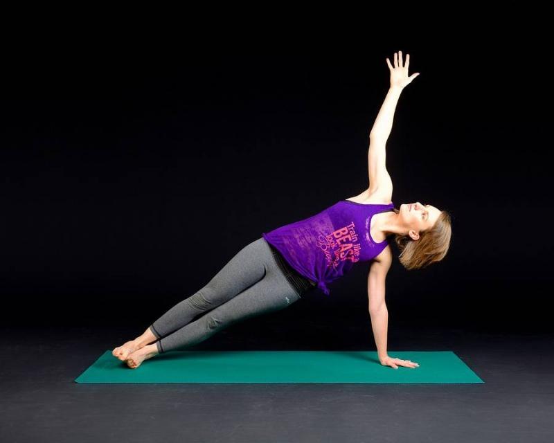 如何进行瑜伽肩颈理疗瑜伽肩颈理疗的方法